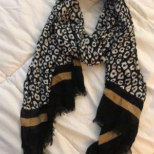 "Talbots black & white animal print scarf 19"" x 38"""